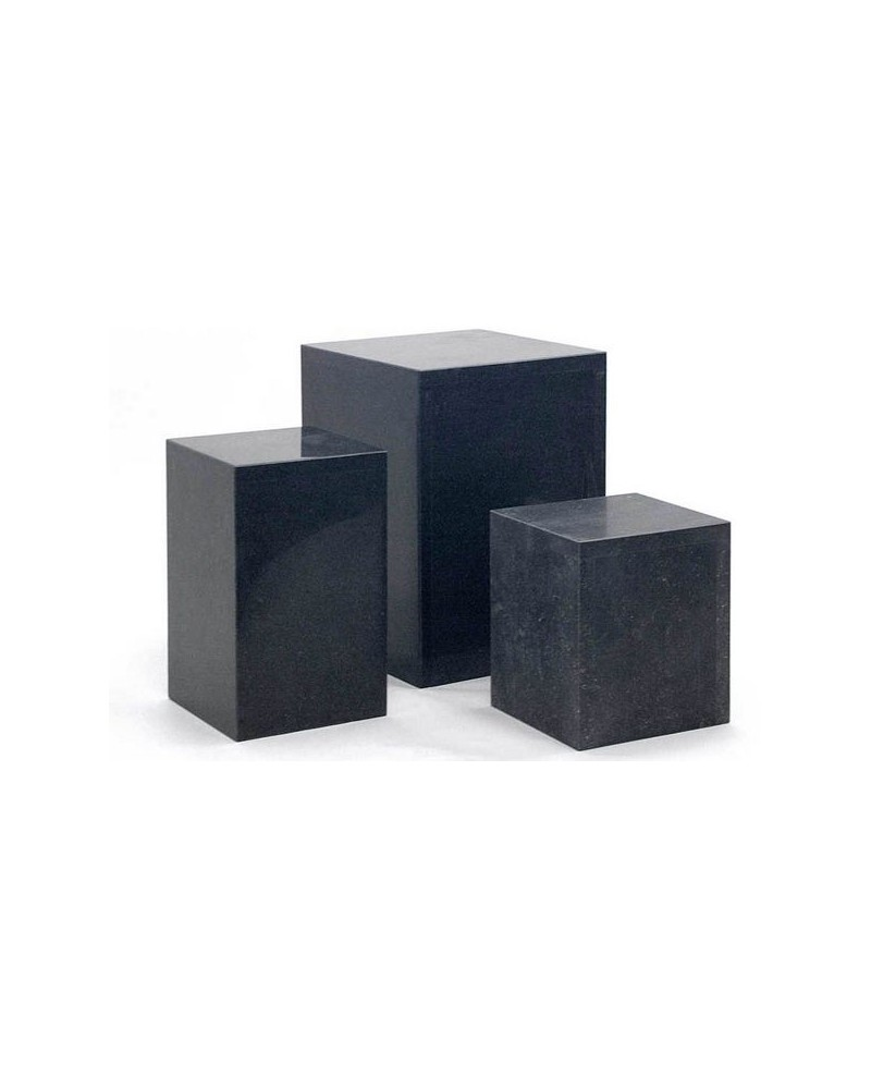 Holle zuil van steen